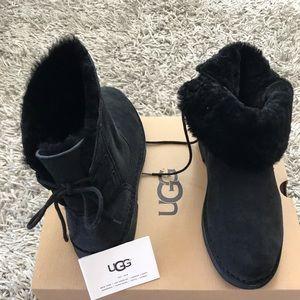 UGG NAIYAH BLACK BOOTIES